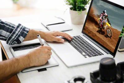 Overfør data raskt fra et videokamera til en PC med kortet
